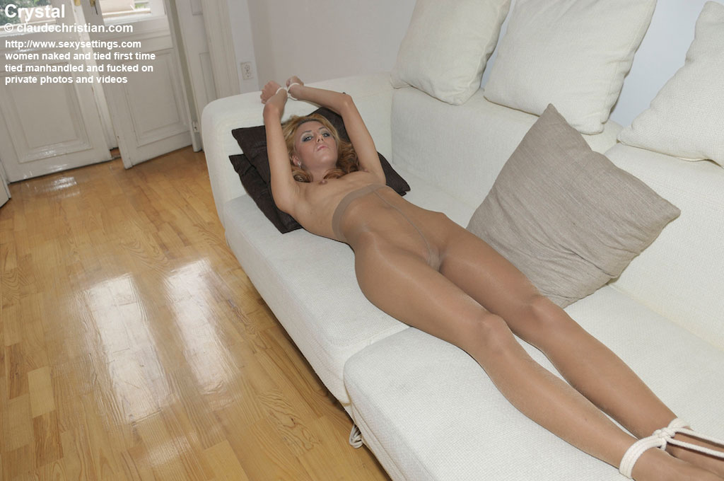 Amateur woman tied up naked