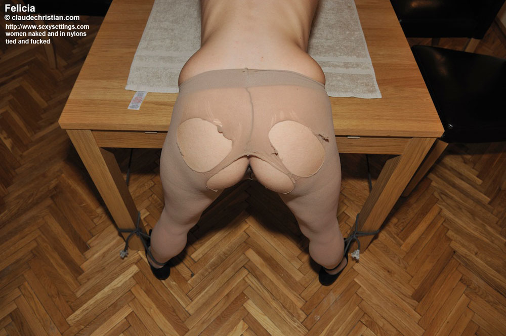 The Table Pantyhose Porn Links