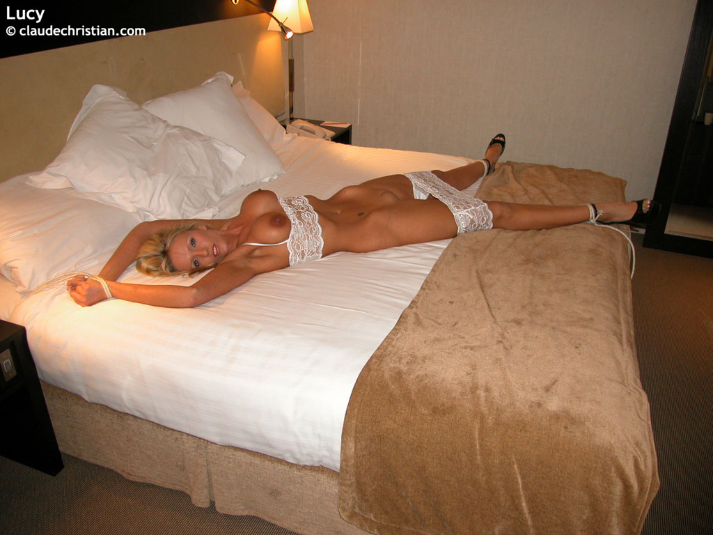 mature bed Tied to