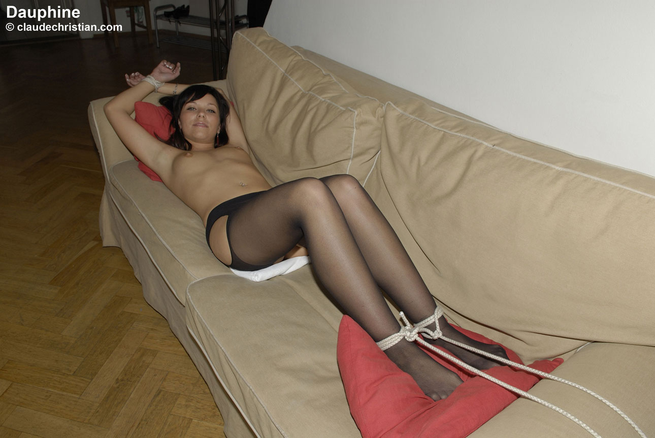 sexysettings open17 dauphine tied sofa 037x